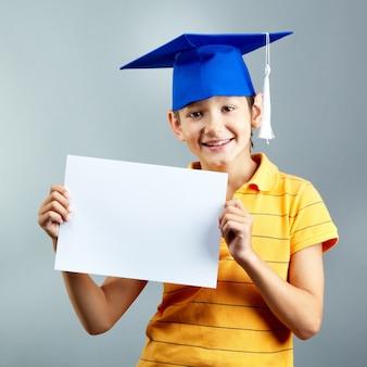 Diploma cappello foto e vettori gratis - Possesso di un immobile ...