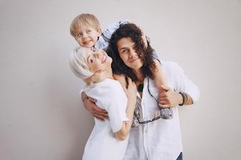 Bella giovane famiglia