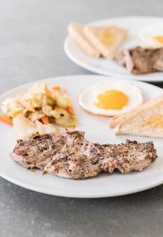 Bistecca di maiale alla griglia
