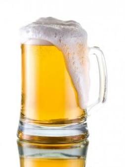 boccale di birra in vetro di alcol