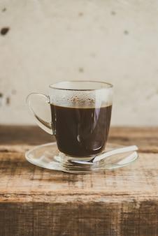 Caffè nero in tazza di caffè