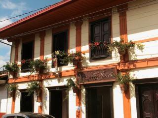 Casa en jardin d'epoca Antioquia