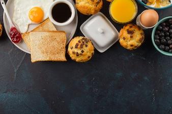 Cibo delizioso per la prima colazione