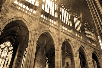 Colonne in una chiesa antica