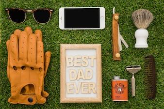 Composizione del giorno del padre con grandi oggetti
