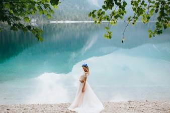 Coppia di nozze a Lake Di Garda felice