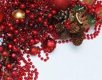 Decorazioni di Natale con effetto di sovrapposizione nevoso