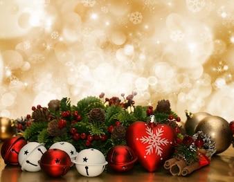 Decorazioni di Natale sfondo con i fiocchi di neve e luci bokeh