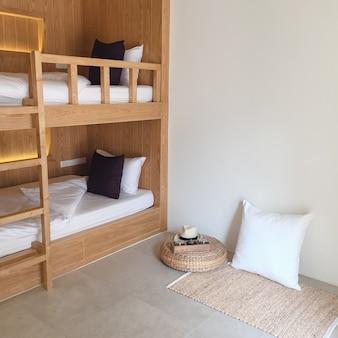Dormitorio dormire giovani di viaggio