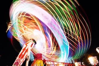 Fairground con molte luci