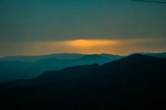 Fiume sol astronomico horizonte picco