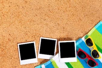 Foto istantanee su una spiaggia