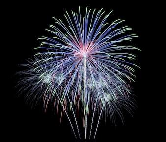 Fuochi d'artificio isolato su sfondo nero