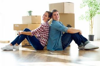 Giovane, coppia, spostare, nuovo, casa.