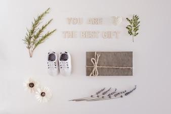La carta appena nata dicendo che tu sei il miglior regalo