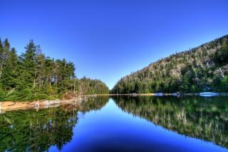 Lac abete hdr acqua