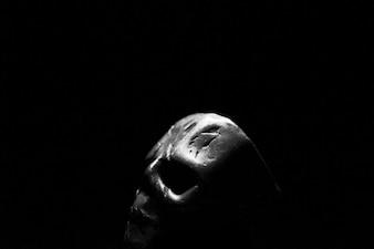 Lato del cranio del metallo