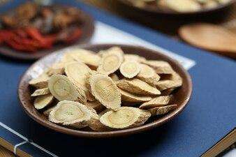 Medicina tradizionale cinese Astragalus membranaceus
