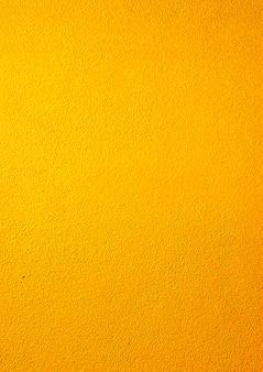 Muro giallo chiaro