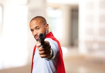 Nero uomo eroe espressione arrabbiata