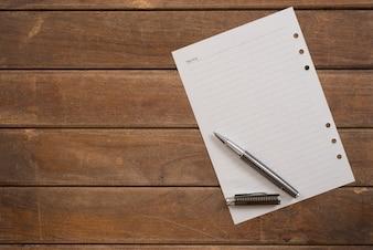 Pagina fornitura elenco dei messaggi marrone