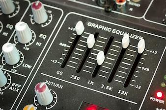 Pannello di controllo del mixer musicale