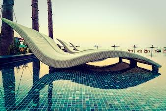 sedie a sdraio sulla spiaggia 3 scaricare foto gratis. Black Bedroom Furniture Sets. Home Design Ideas