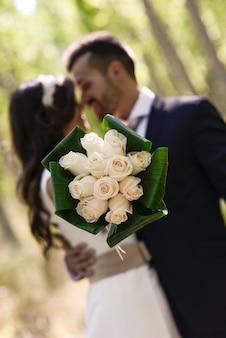 Primo piano del bouquet da sposa
