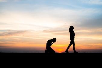 Ragazza amore amore divorzio sfondo del fidanzato