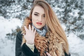 Ragazza in inverno