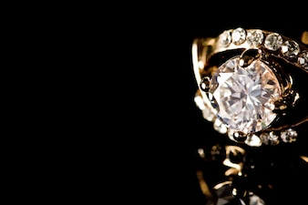 Rendering diamante della corona macinare costoso