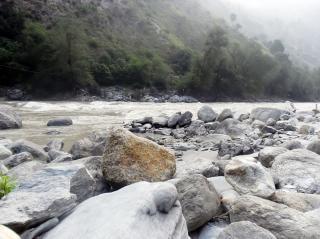 Sassi foto e vettori gratis for Sassi di fiume