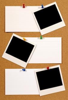 Scheda di avviso con polaroid foto