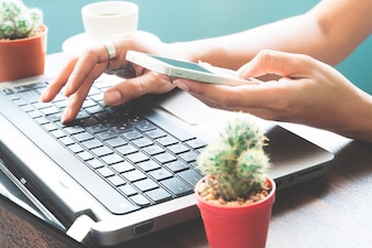 Servizio online acquisto denaro femminile calcolo