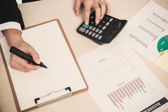 Tablet dati finanza finanziario paga