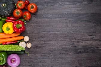 Tavolo con verdure