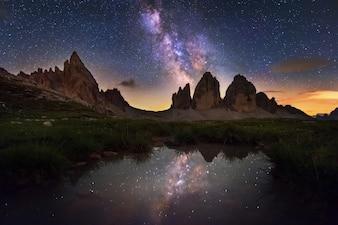 Via Lattea, sopra le montagne di Tre Cime di Lavaredo