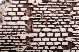 parede de pedra mancha