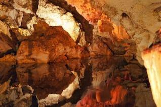 caverna escura