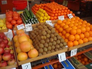 mercado de frutas e legumes