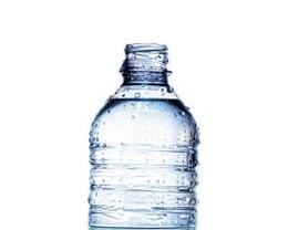 água mineral engarrafada