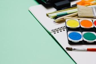 Aguarela no caderno de desenhos