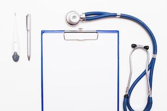 Ajuda ao dispositivo saúde do metal cura saudável