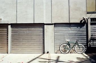 Portas de garagem de alumínio