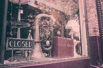 Antiguidades fechado loja