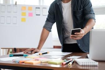 Aplicação de planejamento web designer para celular