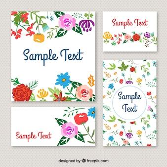 Artigos de papelaria florais no estilo colorido