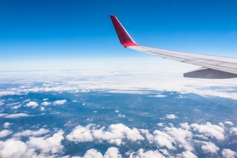 Asas de aeronaves e cidades terrestres, perspectiva aérea
