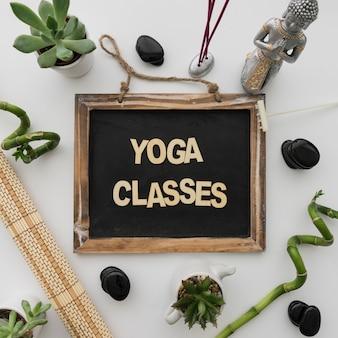 Aulas de yoga lettering