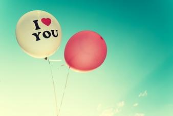 Balão vintage - símbolo de amor no dia dos namorados. tom de cor de efeito retro